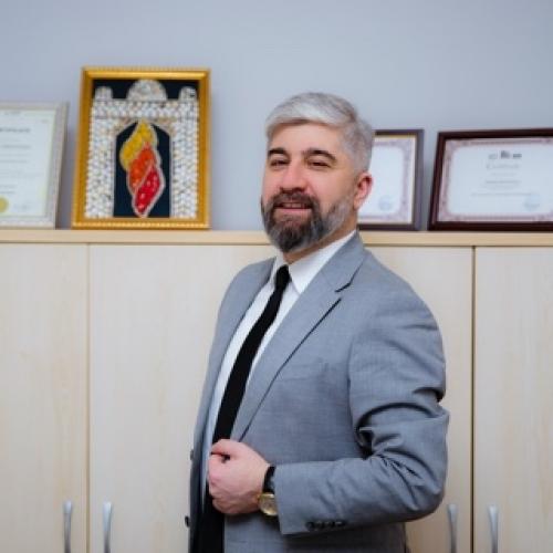 Baxşəliyev Xaqani Firdusi oğlu